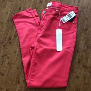 NWT cropped pants